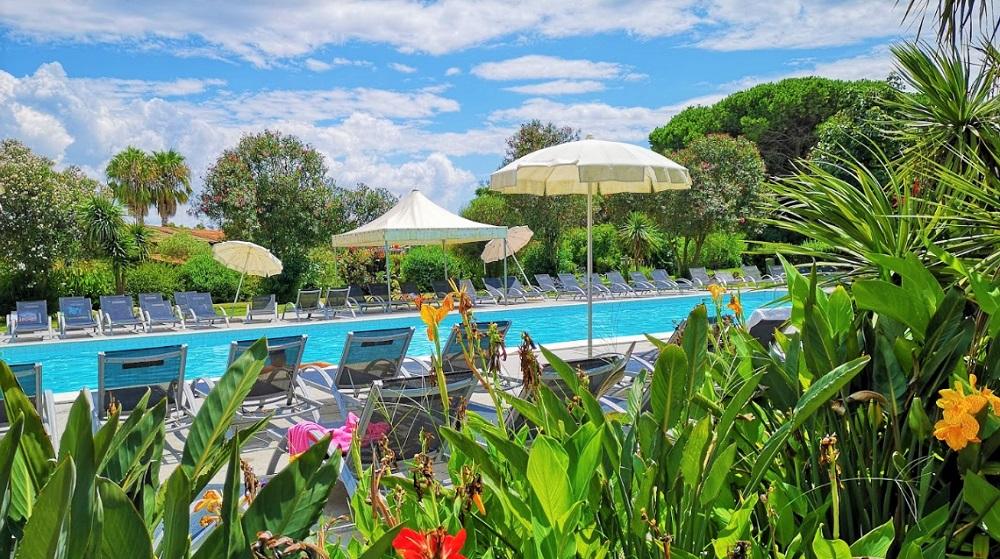 3. Bazén