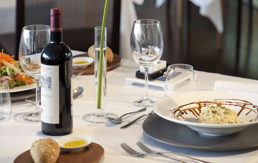 Připravenost v hotelové restauraci, Thalasia Costa Murcia, Mar Menor, Murcia.