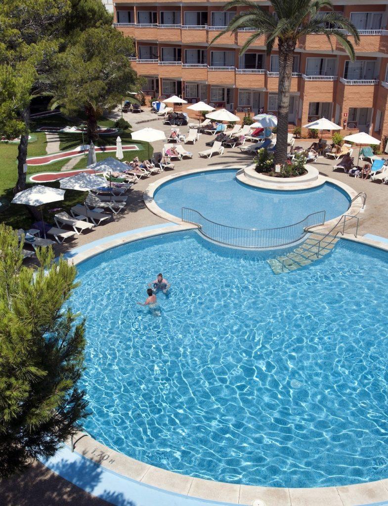 Menorca, Hotel Xaloc Playa pro seniory - foto 11
