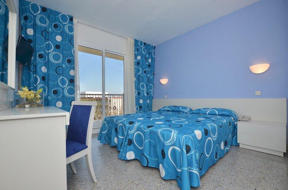 Jeden z dalších pokojů hotelu, CLUB HOTEL AQUAMARINA 3*, Menocra, Španělsko.