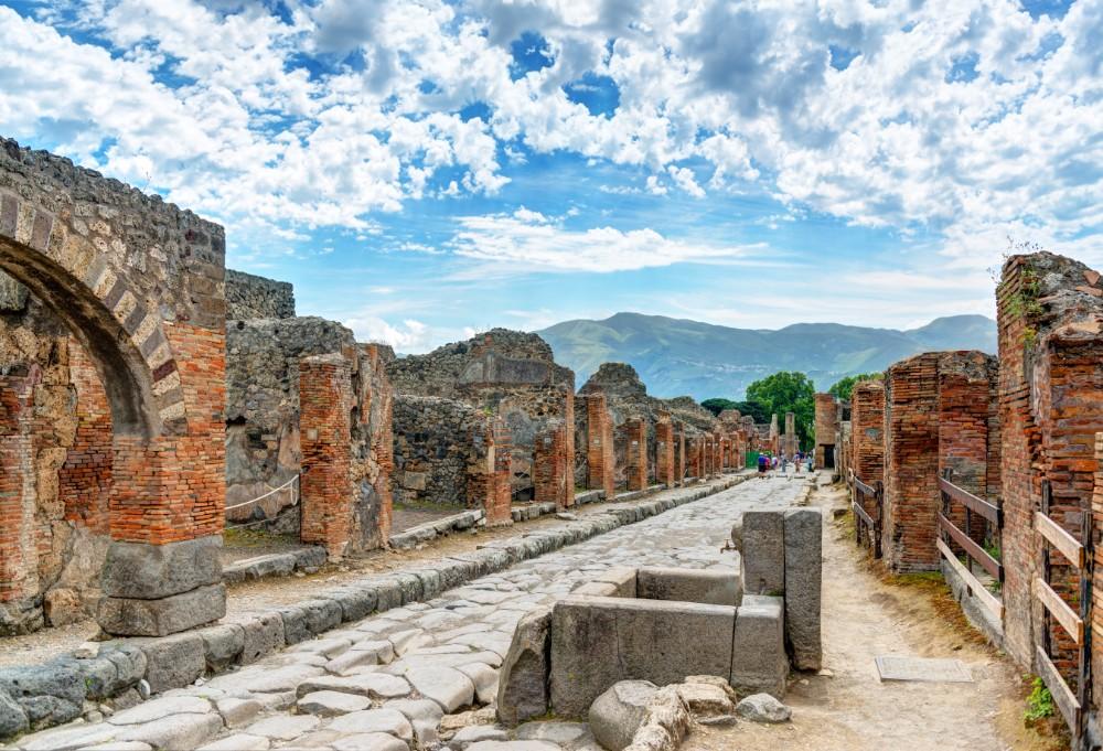 Krásy Kampánie - zájezdy pro seniory 55+ foto 1