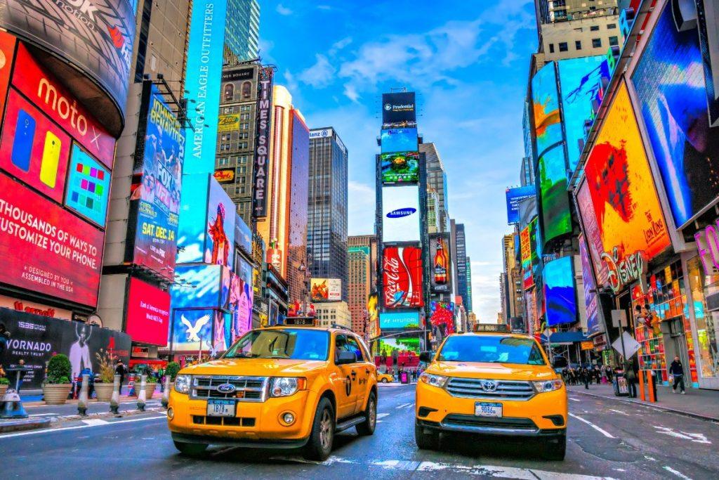 Náměstí Times Square je plné života každičký den v roce.