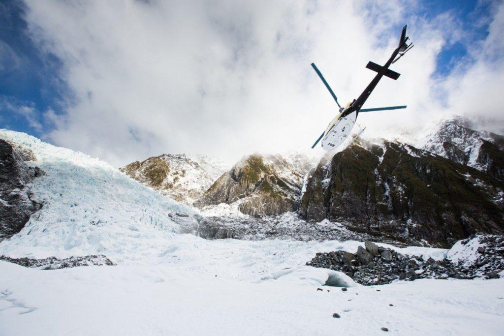 Let vrtulníkem nad ledovcem Franz Josef patří k nejkrásnějším zážitkům.