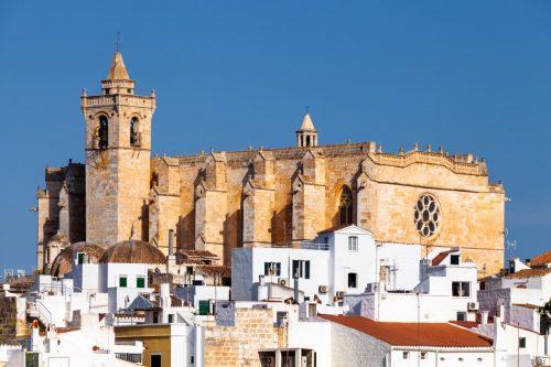 Ciutadella na Menorce se pyšní krásnou katedrálou z roku 1362.