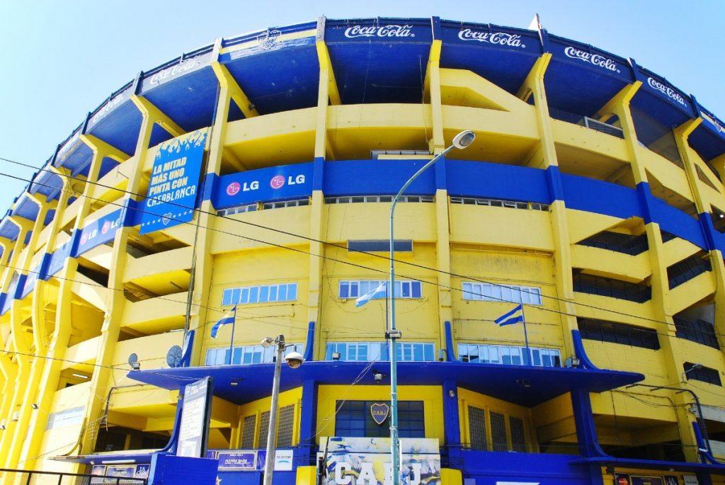 "Stadion ""La Bombonera"" patří buenosaireskému klubu Boca Juniors, hrával zde i Maradona."