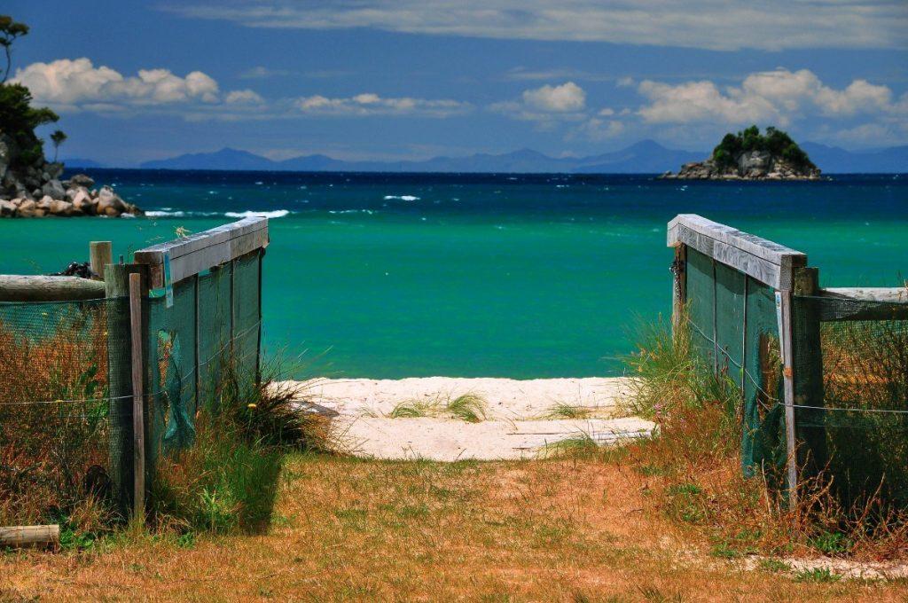 Další nádherná pláž národního parku Abel Tasman.