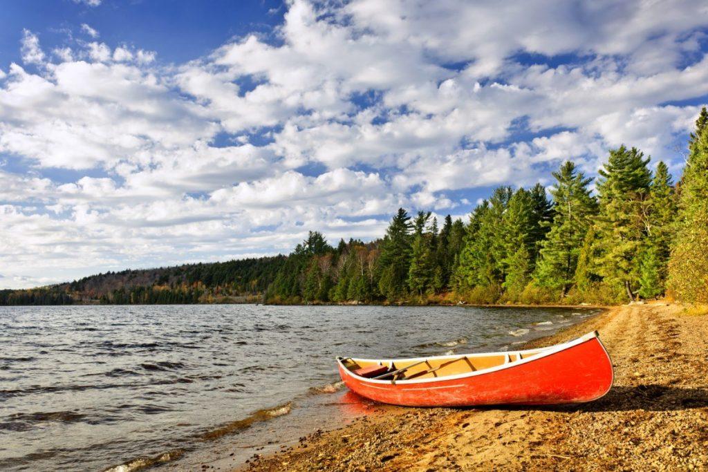 V národním parku Algonquin se nachází na 2400 jezer.
