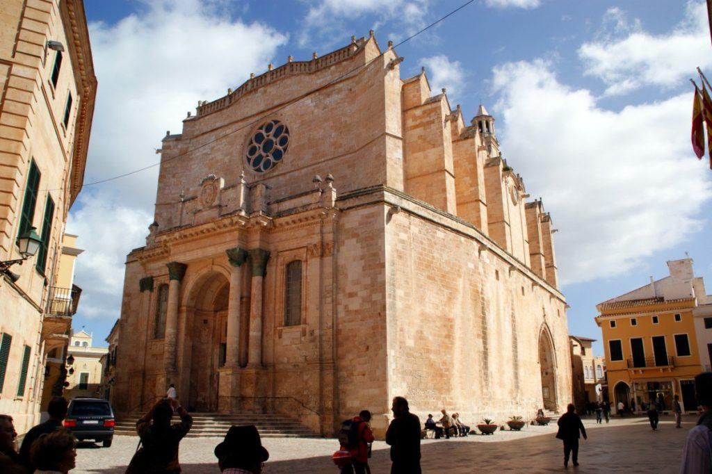 Katedrála v Ciutadelle na Menorce z roku 1362.