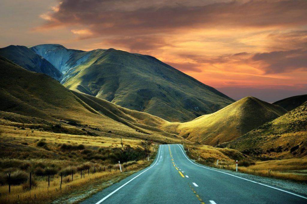 Majestátní hory jsou dominantou novozélandské krajiny.