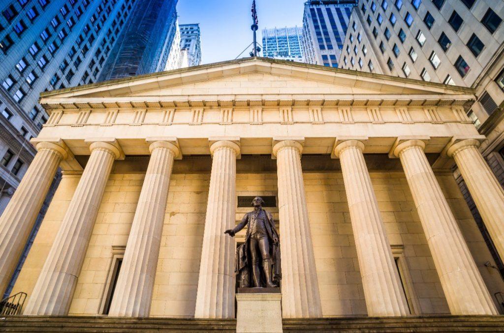Budova Federal Hall na Manhattanu.