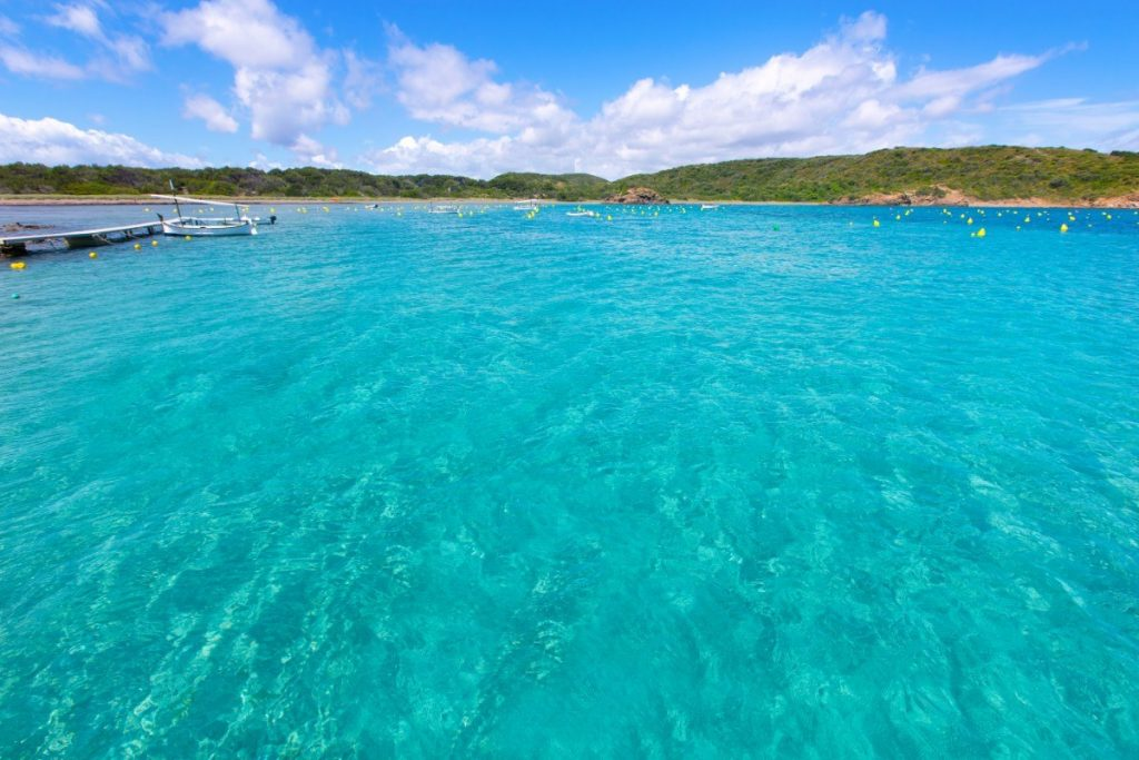 Menorca je plážovým rájem Evropy, který je doposud plný pohody a klidu.