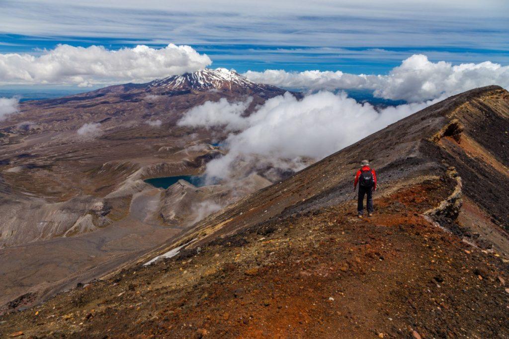 V národním parku Tongariro si každý turista najde krásnou pěší trasu vhodnou právě pro něj.