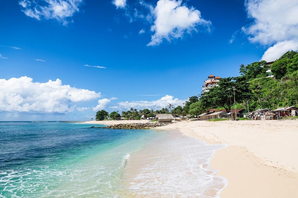 shutterstock_296043032 Tropical beach in Bali