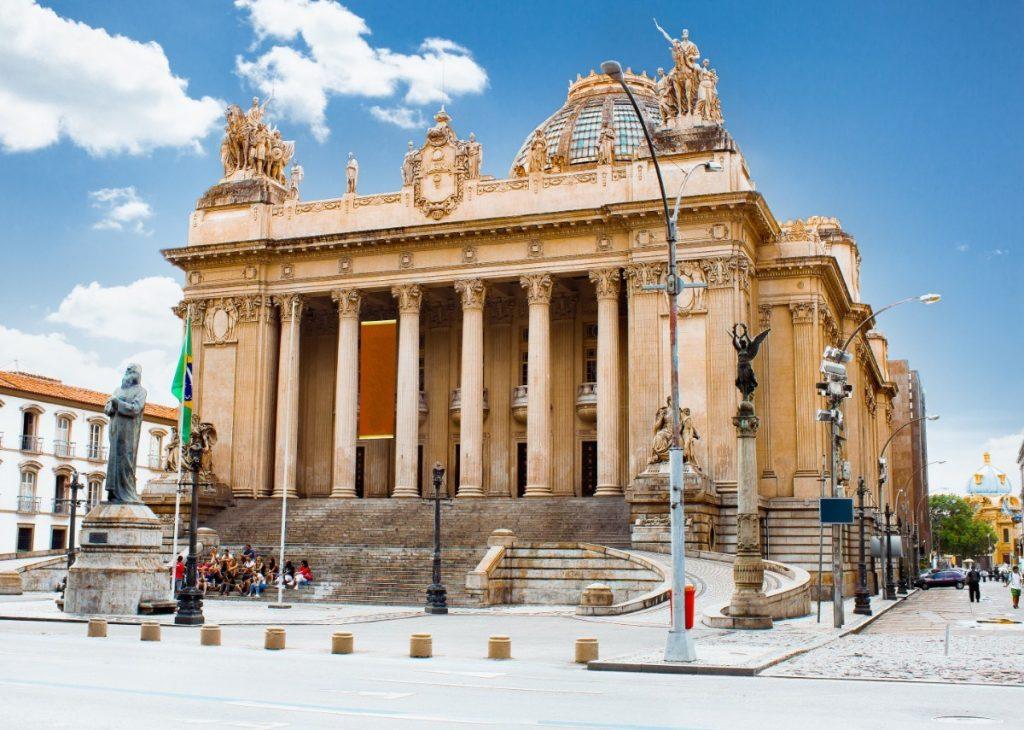 Palác Tiradentes, kde se nachází současné ústředí legislativního shromáždění státu Rio de Janeiro.