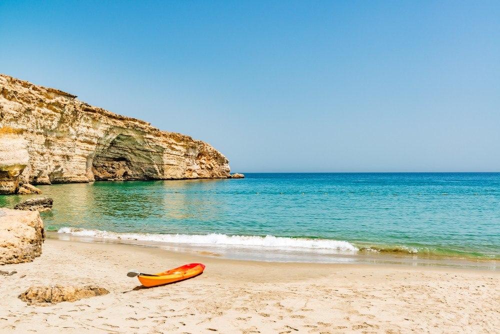 V Ománu převládají dlouhé písečné pláže, na kterých můžete nerušeně relaxovat.