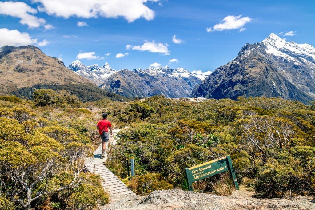 Nový Zéland nabízí úžasné pěší trasy pro všechny, kteří si chtějí užít přírody.