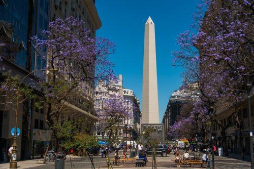 Obelisk je nejznámějším symbolem Buenos Aires a nachází se na náměstí Plaza de la República.