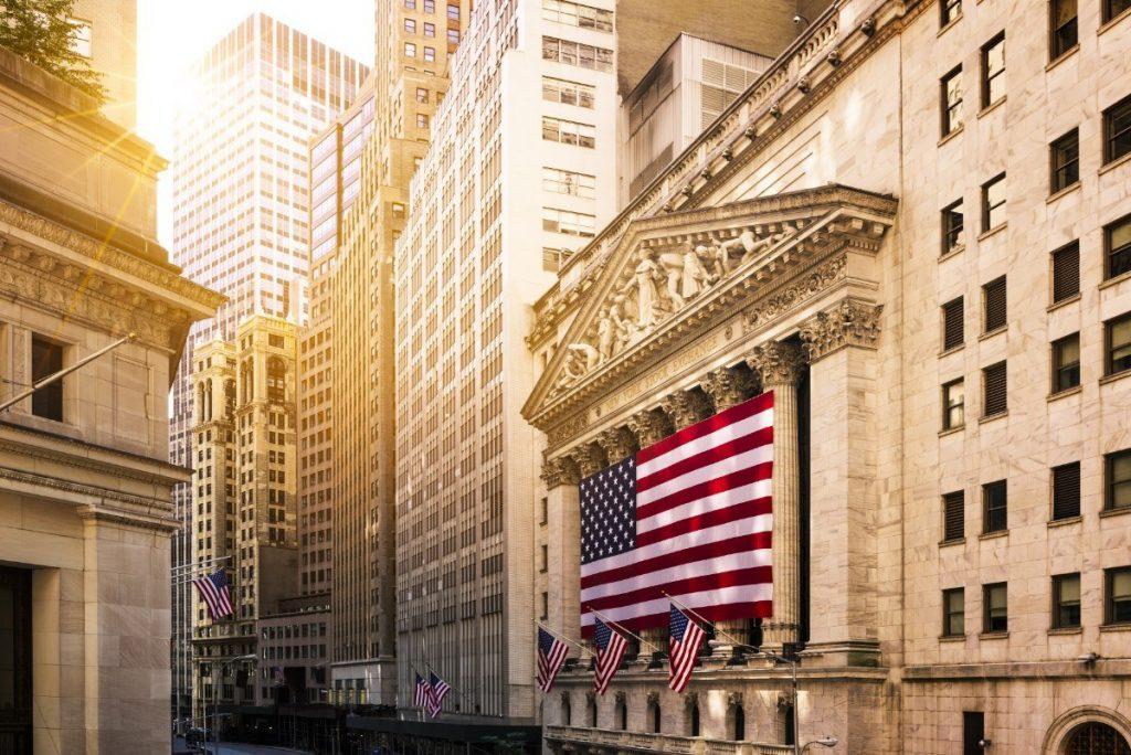 Slavná finanční čtvrť Wall street v New Yorku.