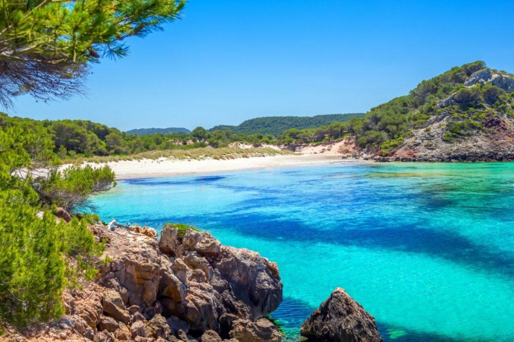 Pláž d´es Bot patří k nejfotografovanějším na Menorce.