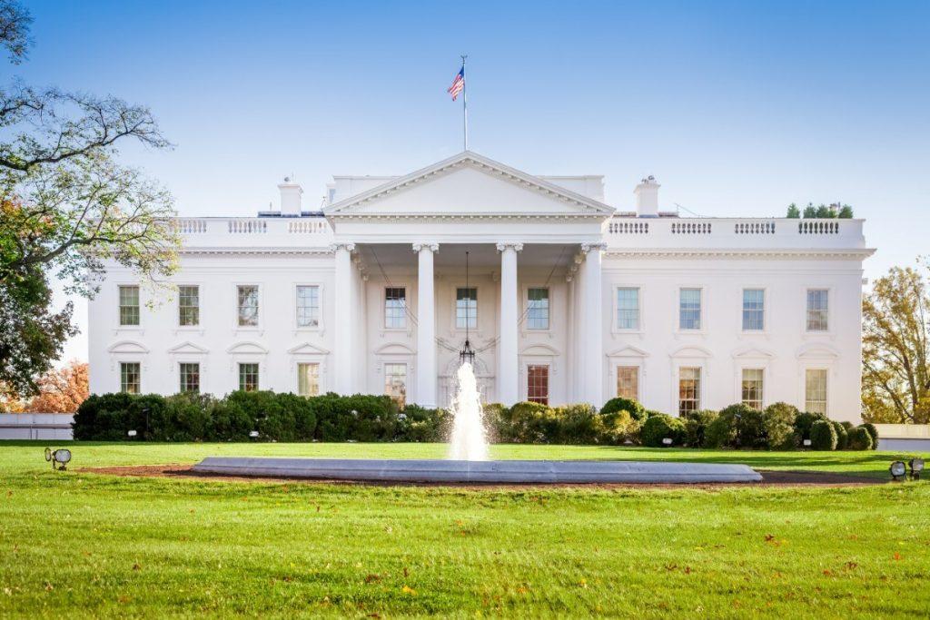 Sídlo prezidenta Spojených států amerických - Bílý dům ve Washingtonu.