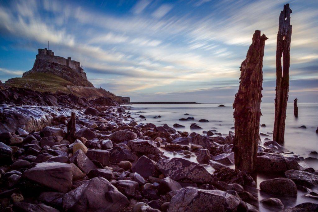 Tajemný hrad Lindisfarne.