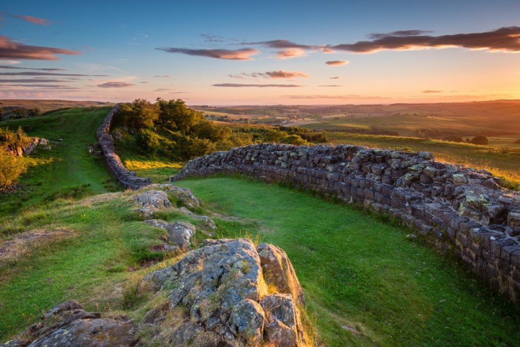 Hadriánův val se nachází v národním parku Northumberland.