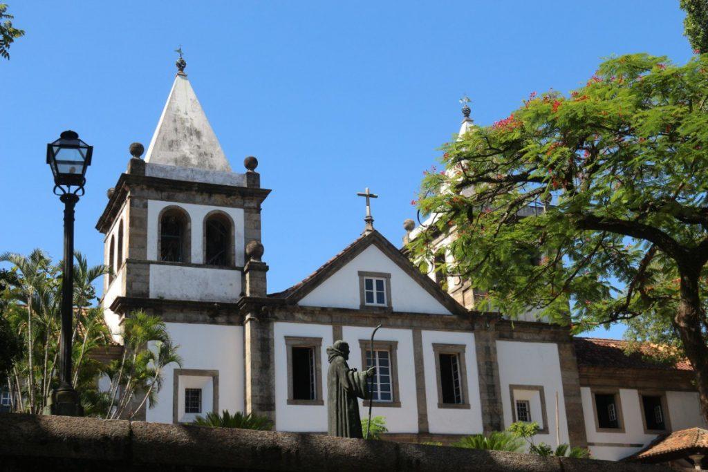 Klášter Svatého Benedikta navštívíte během prohlídky těch nejlepších a nejvýznamnějších míst Zázračného města Rio de Janeiro.