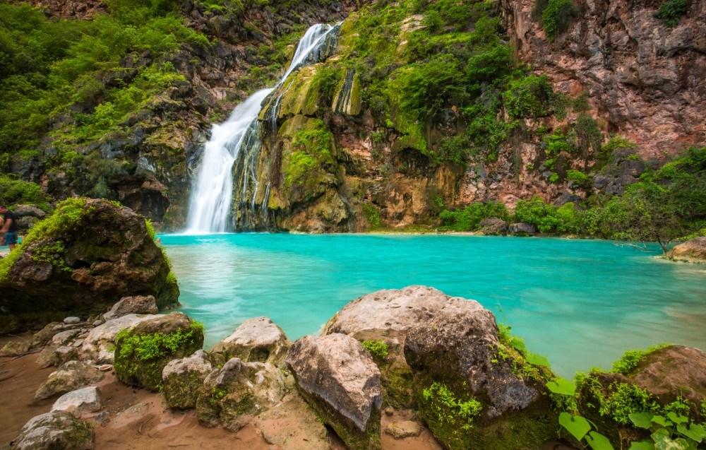 Omán, to není jen poušť, ale třeba také slavné vodopády Ayn Khor.