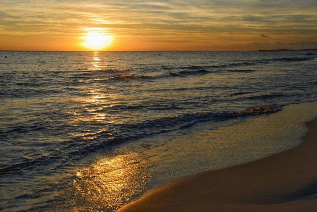 Bez poetických západů slunce to nejde ani na Menorce.
