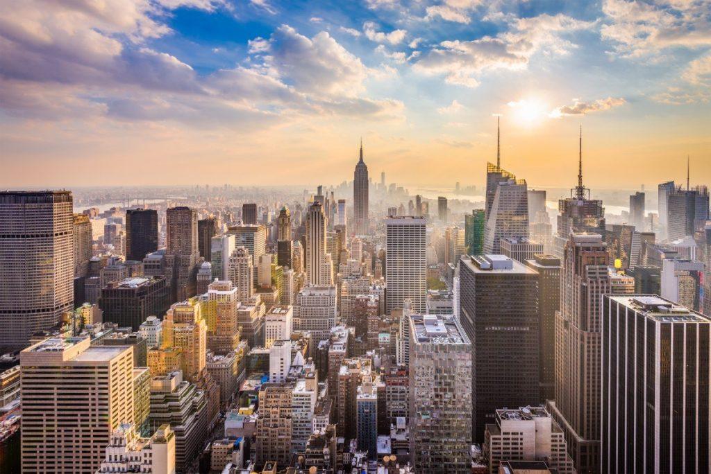 Panorama New Yorku za mrazivého dne.