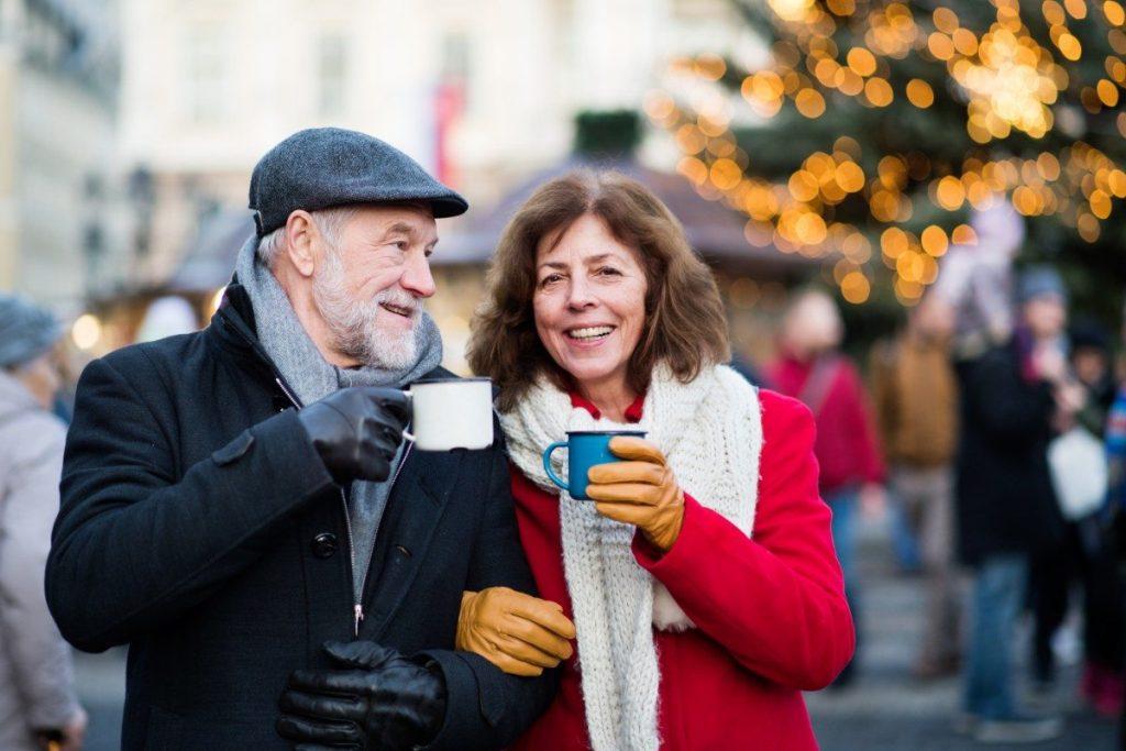 Vánoční trhy v New Yorku? Samozřejmě. Je jich zde mnoho a určitě si budete moci vybírat, kde si svůj lahodný vánoční punč vypijete.