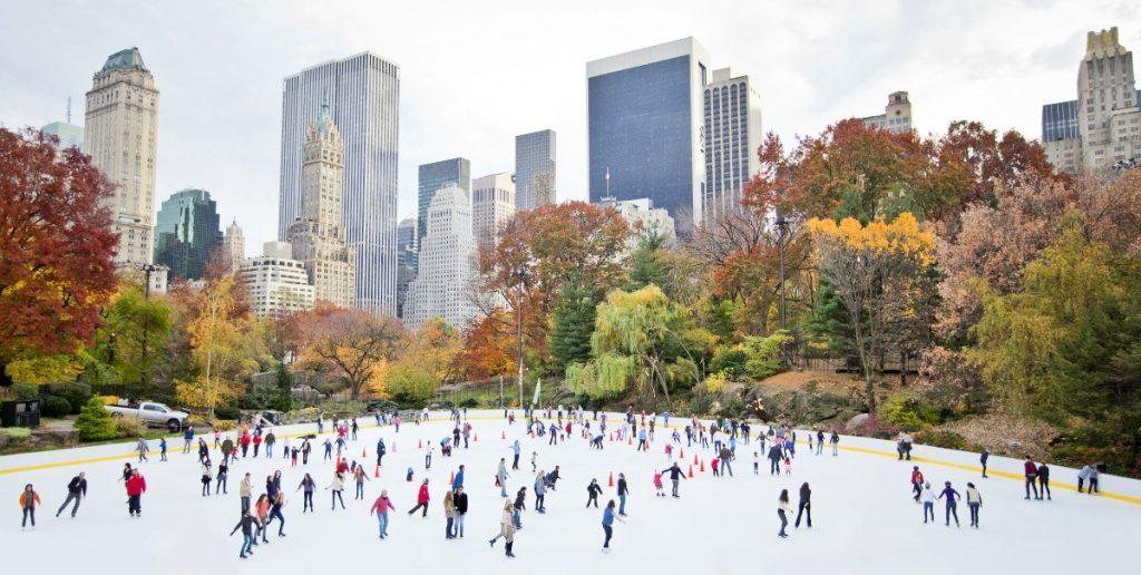 Zimní bruslení v proslulém newyorském Central Parku.